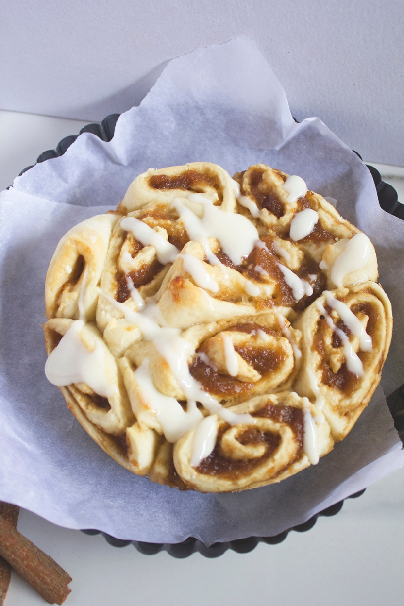 ginger ale poached apple cinnamon rolls with cream cheese glaze 008