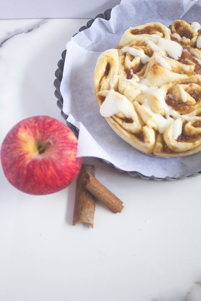 ginger ale poached apple cinnamon rolls with cream cheese glaze 009