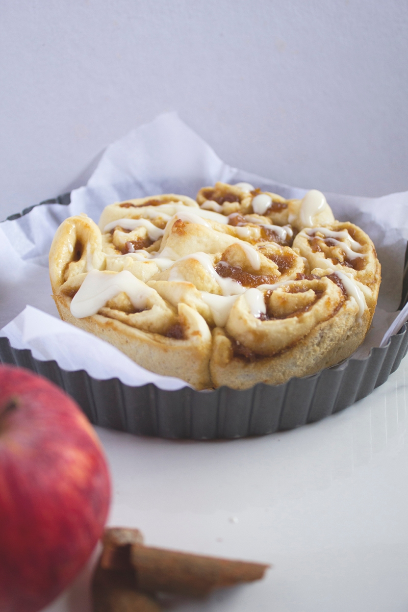 ginger ale poached apple cinnamon rolls with cream cheese glaze 013