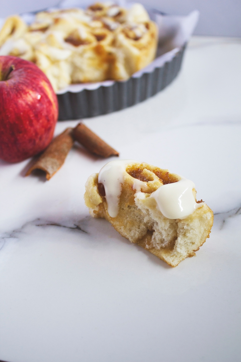 ginger ale poached apple cinnamon rolls with cream cheese glaze 024